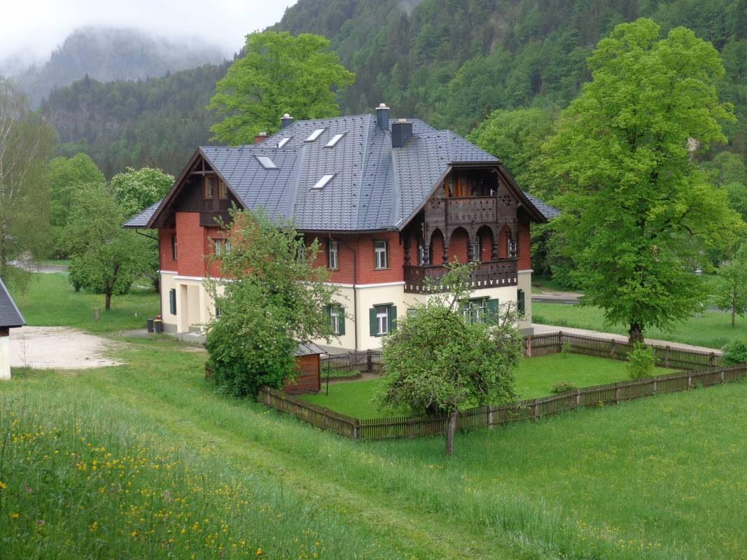 "Dachgeschosswohnung im Forsthaus ""Maierhöfen"""